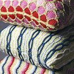 DIY Knitting DIY Yarn : DIY Knit a trio of luxurious pillows