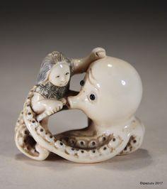 Vintage japonais sculpté Netsuke Boy avec Octopus - signé | eBay