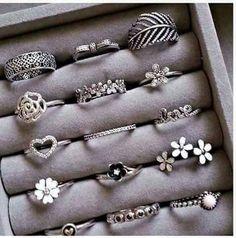 cute rings uploaded by Sally on We Heart It Fancy Jewellery, Stylish Jewelry, Cute Jewelry, Bridal Jewelry, Wedding Jewelry Sets, Jewellery Making, Hand Jewelry, Jewelry Rings, Jewelery