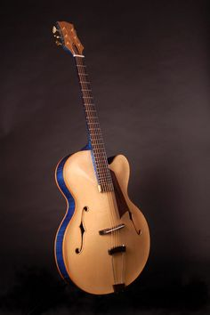 http://archtopguitars.co.uk/wp/wp-content/uploads/wppa/14.jpg