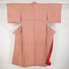 Red, silk, komon kimono / 難あり/裄68.5cm/Lサイズ/ご自宅用に。【リサイクル 小紋】正絹/赤色/辰砂色地/糸巻き柄 【あす楽】【コンビニ受取対応商品】【中古】【リサイクル着物 通販 古着 あい山本屋】 http://www.rakuten.co.jp/aiyama #Kimono #Japan #aiyamamotoya
