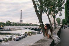 Lady Selva. 50 cosas sobre mí. 50 things about me. Woman. París. Lady Selva Fotografía. Tour eiffel. Sena. Seine. Striped. Striped dress. Bridge