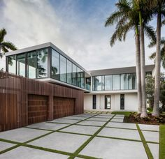 Elegant Beachside House Design in Miami Beach 2019 everything about this house. bathroom material for spec wood colors The post Elegant Beachside House Design in Miami Beach 2019 appeared first on Architecture Decor. Houses Architecture, Residential Architecture, Interior Architecture, Unique House Plans, Dream House Plans, Miami Beach House, Fendi, Huge Houses, Design Your Own Home