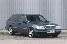 Mercedes-Benz - S 124 E320T - 1994  EUR 3300.00  Meer informatie