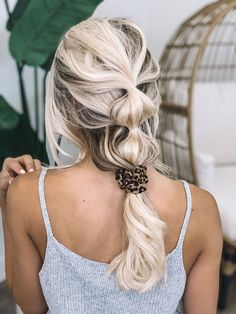 beautiful bubble braids hairstyle to upgrade your look page 25 Pigtail Hairstyles, Bobby Pin Hairstyles, Headband Hairstyles, Braided Hairstyles, Simple Hairstyles, Hairstyle Ideas, School Hairstyles, Medium Hair Braids, Curly Hair With Bangs