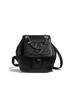 Discover the CHANEL Lambskin & Gold-Tone Metal Black Backpack, and explore the artistry and craftsmanship of the House of CHANEL. Cheap Purses, Unique Purses, Cheap Bags, Cute Purses, Guess Purses, Pink Purses, Chanel Handbags, Black Handbags, Fashion Handbags
