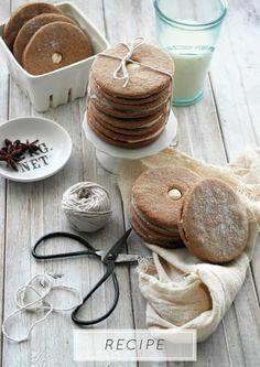 twiggstudios: speculaas cookies with maple cinnamon buttercream