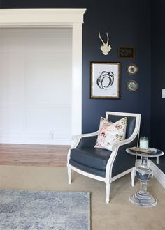 love these navy wall