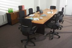 Mesa de Reunión por Euromobilia