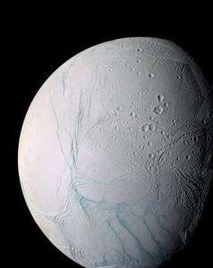 encelado luna de saturno