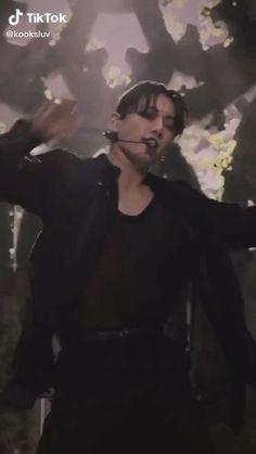 Jeon Jungkook Hot, Jungkook Abs, Foto Jungkook, Bts Taehyung, Foto Bts, Bts Bulletproof, Bts Imagine, Bts Dancing, Bts Funny Videos