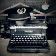 Vintage Woodstock Typewriter  #vintagetypewriter, #vintagehat, #typewriter, #Woodstock, #thebackdropwoodstockil