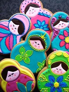 Russian Doll cookies by veronicawasp