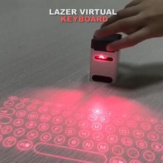 Tech Discover Virtual Laser Projection Keyboard Mobile Stand - Technology News Mobile Stand Accessoires Iphone Tech Gadgets Bluetooth Gadgets Wireless Headphones Take My Money Cool Inventions Useful Life Hacks Key Design Cool Gadgets To Buy, Gadgets And Gizmos, Fun Gadgets, High Tech Gadgets, Electronics Gadgets, Inventions Sympas, Mobile Stand, Mobile Mobile, Pc Gaming Setup