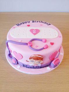 Doc McStuffins cake Doc McStuffins cake!! Birthday party pop cake girl pink violet rose mauve docteur la peluche