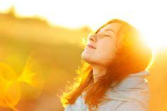 Vivere felici ed essere sereni si può, scegliendo di accettare ciò che non possiamo mutare e modificando…