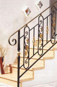 garde corps balcons en fer forg et rampes en fer forg. Black Bedroom Furniture Sets. Home Design Ideas
