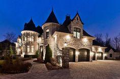 Luxury real estate in Candiac Canada - Candiac, Montérégie - JamesEdition Dream Home Design, My Dream Home, House Design, House With Land, Dream Mansion, Luxury Homes Dream Houses, Dream Homes, Unusual Homes, Dream House Exterior