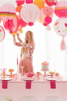 Wedding Backdrop Balloons Paper Lanterns For 2019 Balloon Lanterns, Paper Lanterns Party, Chinese Paper Lanterns, Balloon Decorations Party, Baby Shower Decorations For Boys, Party Decoration, Lanterns Decor, Balloons, Paper Lantern Centerpieces