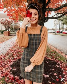 Fall overall dress outfit Autumn Winter Fashion, Fall Winter Outfits, Dress Outfits, Cute Outfits, Dresses, Looks Clássicos, Overall Dress, Outfit Chic, Stubborn Fat