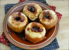 Crockpot Baked Apples - my kids picked a slew of apples with their grandma yesterday. This is what we dd with some of them. #nom