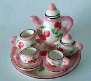 siamsmalls: small tea sets from Thailand...oh so tiny and would be perfect for making tea jewelry #PinTeaTuesday