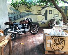 Cafe owner's Triumph Bonneville.  #moto #motorcycle #biketrip #ridetolive #livetoride #freespirit #vintage #retro #suphanburi #cafe #coffee #onanysunday #triumph #bonneville #caferacer