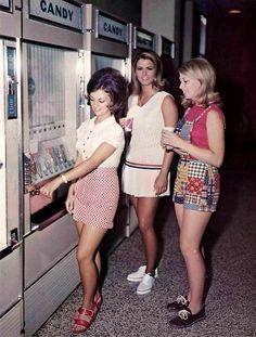 Old Yearbooks, Nancy Reagan, Pop Ads, Local Moms, Bombshell Beauty, Girls Slip, Weird Fashion, 70s Fashion, Raquel Welch