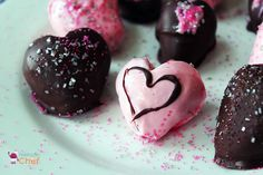 Valentines DIY: Sweet Strawberries Healthy Desserts For Kids, Recipes Kids Can Make, Chef Blog, Valentines Food, Chocolate Covered Strawberries, Cooking With Kids, Kids Nutrition, Kid Friendly Meals, Kids Meals