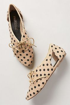 Polka dot oxfords! :: Vintage Shoes:: Retro Fashion :: Polka dot vintage:: Ladies oxfords