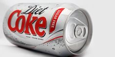 Train Dirty London: Is Diet Coke Your Dirty Little Dietary Secret? For many healthy people out there Diet Coke is treated as 'Empty Calories' compared to the traditional office cake that might appear. Coca Light, Diet Coke, Pasta Dental Casera, Coca Cola, Diet Recipes, Healthy Recipes, Healthy Foods, Diet Foods, Sodas