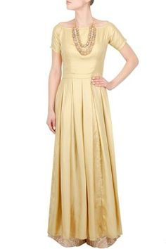 Gold High Slit Maxi Slit    #carma #carmaonlineshop #style #fashion #designer #indianfashion #indiandesigner #ankitajuneja #gown #couture #shopnow #indianwear #pretty #girly #onlineshopping #instashop #beautiful #outfitpost #ootd #ootn #partywear #eveningwear #whattowear #gold #highslit #maxi #classy
