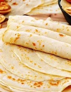Η καλύτερη συνταγή για κρέπες Crepe Recipes, Easy Bread Recipes, Cookbook Recipes, Sweet Recipes, Cooking Recipes, Sweet Breakfast, Breakfast Dishes, Breakfast Time, Breakfast Recipes