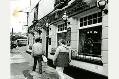 15 Swansea pubs that called last orders, and never served another pint