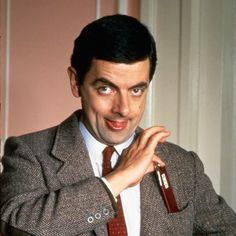 26 mr bean reaction gifs for everyday situations pinterest mr mr bean solutioingenieria Image collections
