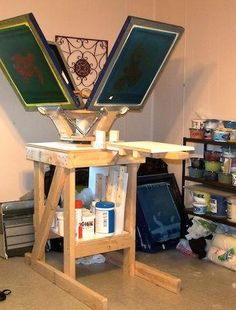 Free 4 Color Silkscreen printing press plans for do-it-yourselfers, home screen printers, artists, t-shirt designers Screen Printing Press, Screen Printing Machine, Screen Printer, Screen Printing Shirts, Diy T Shirt Printing, T Shirt Printing Machine, Homemade T Shirts, T Shirt Press, Silkscreen