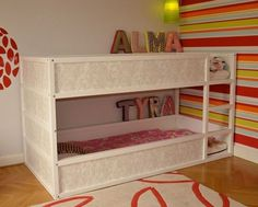 Child-friendly DIYs with the IKEA Kura bed - decoration .- Kinderfreundliche DIYs mit dem IKEA Kura Bett – Dekoration Data Girly Kura bunk bed – with wallpaper - Kura Bed Hack, Ikea Kura Hack, Ikea Hacks, Cool Bunk Beds, Kids Bunk Beds, Toddler Loft Beds, Toddler Girls, Boys, Murphy Bed Ikea
