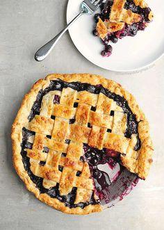 Easy Blueberry Pie Recipe   http://shewearsmanyhats.com/easy-blueberry-pie-recipe/
