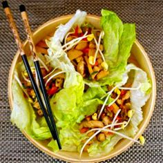 Chicken Lettuce Wraps by improvisingfood I Love Food, Good Food, Yummy Food, Pollo Recipe, Asian Recipes, Healthy Recipes, Great Recipes, Favorite Recipes, Chicken Lettuce Wraps