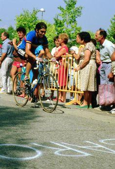 1984 Worlds: Claude Criquielion (Belgium) would win gold in Barcelona, Spain Cycling News, Barcelona Spain, Belgium, Champion, Couple Photos, Couples, World, Biking, Couple Shots