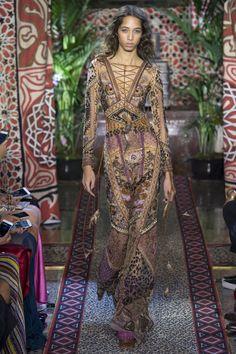 #ROBERTOCavalli  #fashion  #Koshchenets      Roberto Cavalli Spring 2017 Ready-to-Wear Collection Photos - Vogue
