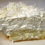 I Believe I Can Fry: Coconut Cream Pie - this has got to be the ultimate coconut cream pie. oh yummmm Just Desserts, Delicious Desserts, Yummy Food, Yummy Yummy, Delish, Homemade Butterfingers, Just Pies, Good Pie, Sweet Pie