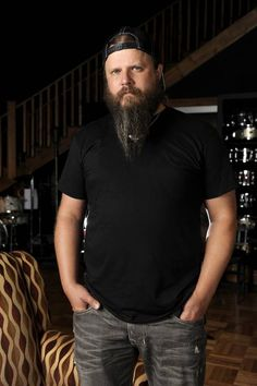 Jamey Johnson - Saw him in Concert on October 26 2018 @ at the Brigestone Arena in Nashville, TN - he was with Bad Company and Lynyrd Skynyrd. Outlaw Country, Country Men, Country Music Artists, Country Singers, Good Music, My Music, Jamie Johnson, Upcoming Concerts, Waylon Jennings