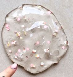 cute clear slime with some rose gold speckles! Like my pins thanks!Super cute clear slime with some rose gold speckles! Like my pins thanks! Diy Crafts Slime, Slime Craft, Slimy Slime, Jelly Slime, Borax Slime, Edible Slime, Types Of Slime, Instagram Slime, Pretty Slime