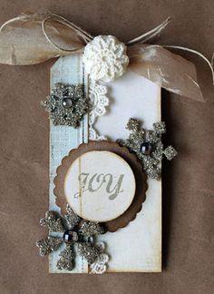 vintage snowflake tag