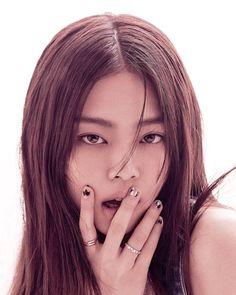 Kim Jennie, Vogue Korea, Blackpink Fashion, Fashion Editor, Korean Fashion, Lisa Black Pink, Kim Jisoo, Blackpink Photos, Duffy