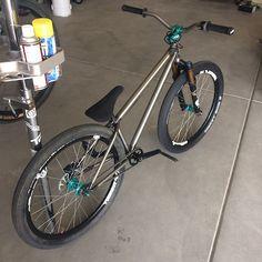 Photo of in Kennewick, Washington, United States. Dirt Bicycle, 24 Bike, Cross Country Mountain Bike, Mountain Biking, Vtt Dirt, Montain Bike, Dirt Jumper, Bmx Cruiser, Push Bikes