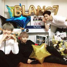 BLANC7_SHINWOO, Jean Paul   und 김성찬 (SPAX) Fandom, Jean Paul, So Much Love, Black 7, Love Of My Life, Jeans, Boy Groups, Kpop Boy, Anna