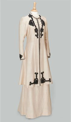 exhibition – Downton Abbey Exhibit, Worn by Elizabeth McGovern As Lady Cora, Countess of Grantham