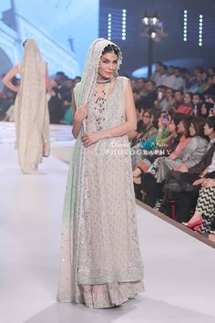 Sana Abbas Pakistani wedding dress, Pakistani bridal fashion